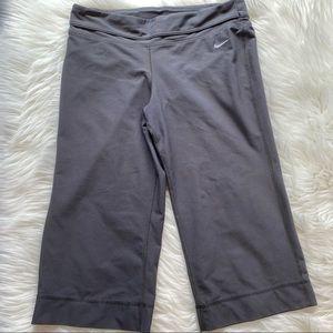 Nike Dri-fit Gray Yoga Capri Shorts Medium